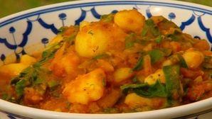 Desley's Mum's silverbeet, potato & tomato curry