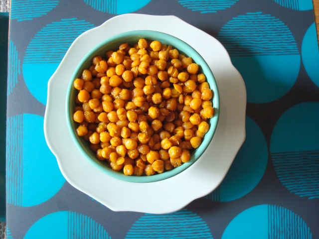 Crunchy curried chickpeas | My favourite room of a house | Pinterest