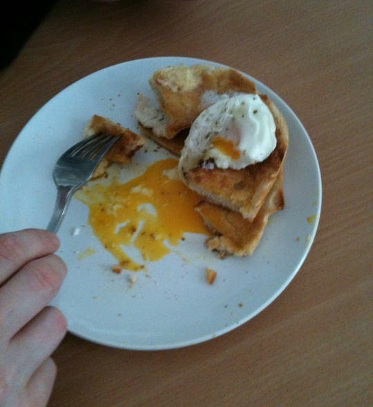 How to Make Easy Speedy Microwave Poached Eggs by Lindzi Ellis