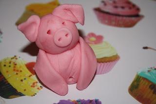 Caroline Makes....: Pigs In Mud Cake - Mississippi Mud Pie with ...