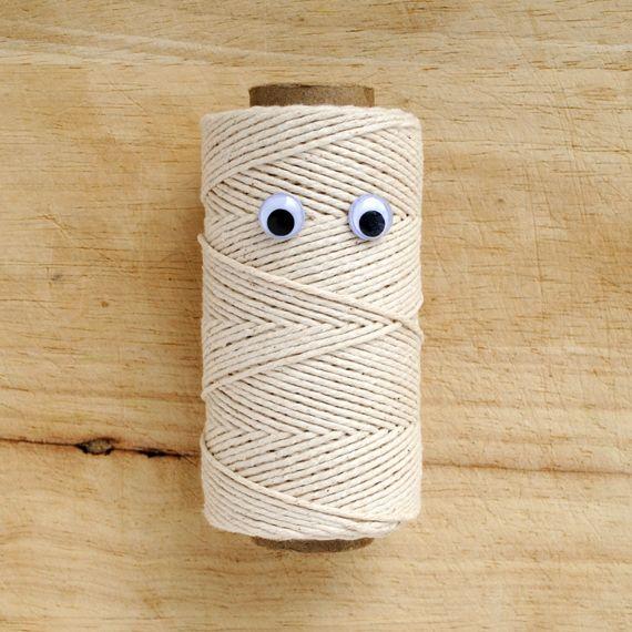 Sad String by minieco  #Eye_Bombing #String #minieco