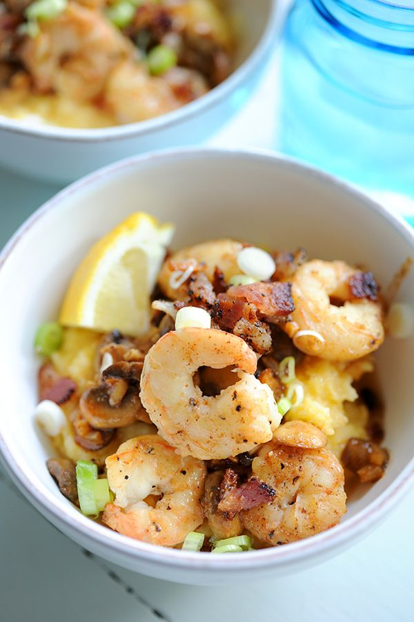 Recipe for Shrimp and Grits with bacon and sautéed mushrooms