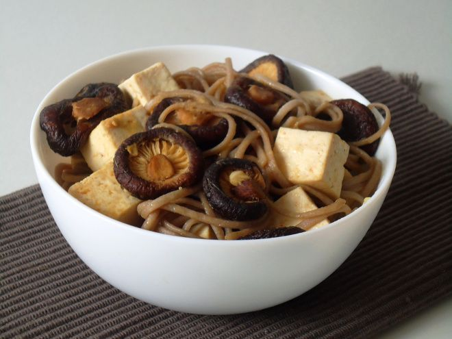 Tofu, Shiitake mushrooms and soba noodles with lemon ginger sauce