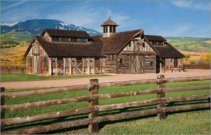 Beautiful Barn Style House I Would Totally Live In A