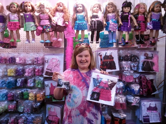 American girl doll clothes display american girl pinterest for Clothing display ideas for craft shows
