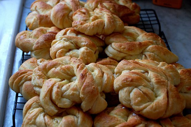 Swedish cinnamon cardamom buns | Yummy | Pinterest