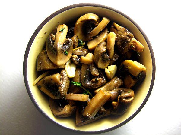 Garlic Herb Marinated Mushrooms | Nom Nom Nom | Pinterest
