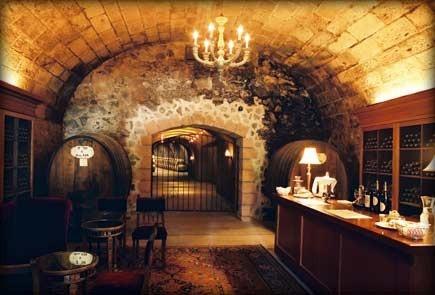 wine bar, dungeon