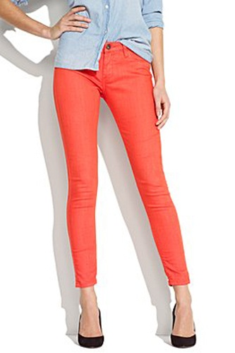This spring weather makes me crave a bright pair of cropped ankle jeans.