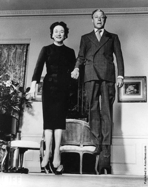 Duke and Duchess of Windsor Jumping 1958 Philippe Halsam