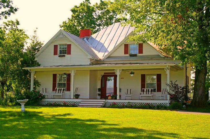 Farmhouse with the red shutters welcome home pinterest for Farm homes