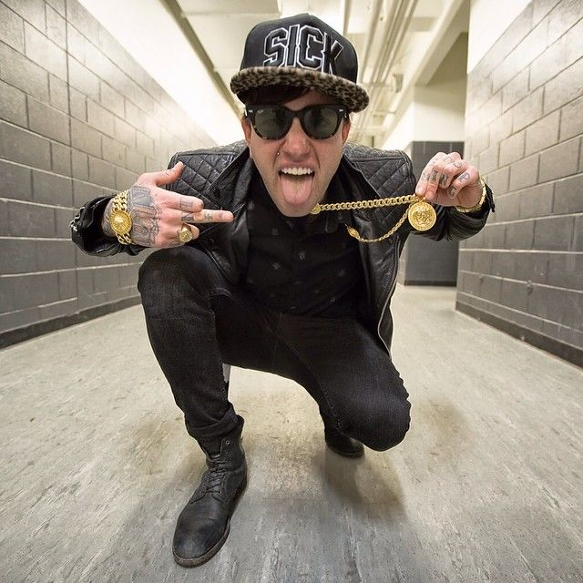 how tall is chris fronzak