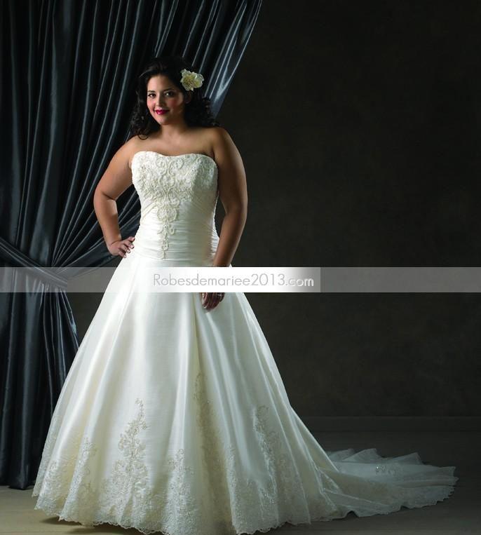 ... Longueur sol Chapelle Dentelle Ornement Robe de mariée grande taille