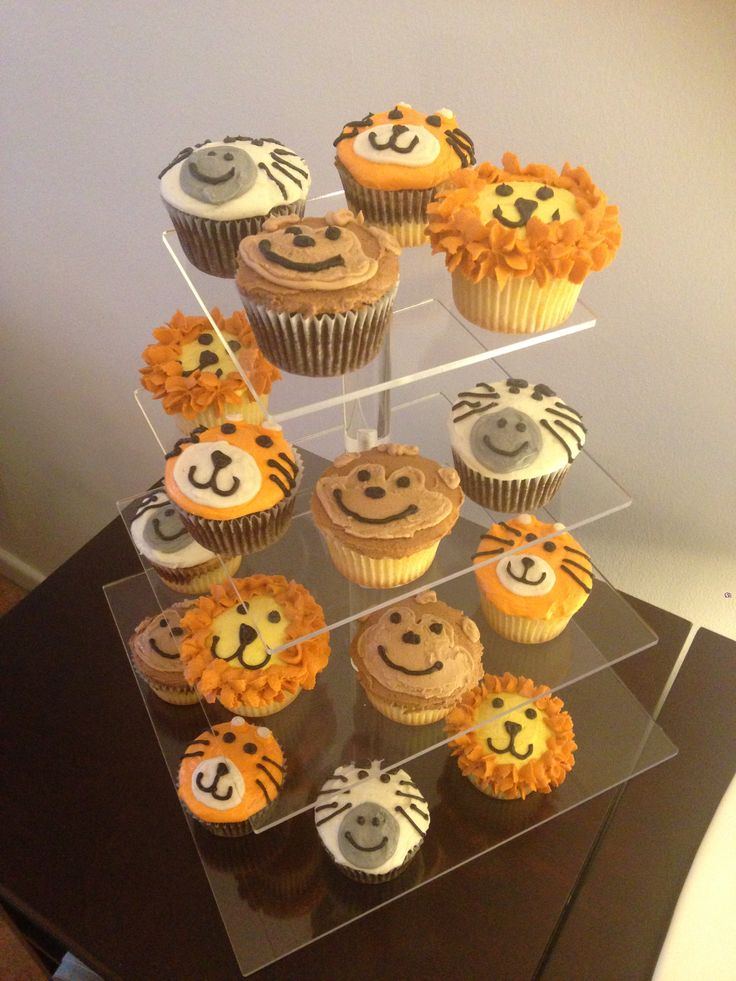 Jungle theme cupcakes! | Cupcaked by Stephanie | Pinterest