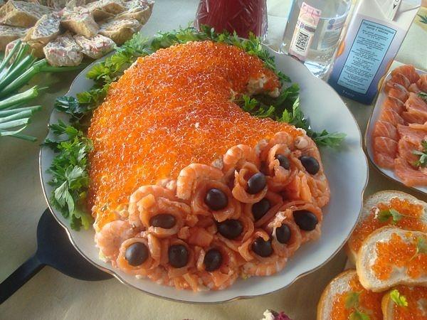 Салат рог изобилия с семгой рецепт