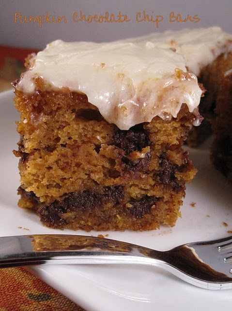 pumpkin chocolate chip bars | Sweet treats to try | Pinterest