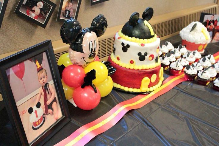 Xavier Logans 1st Birthday Party with Mickey Mouse Theme. Cake table ...
