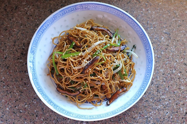Soy Sauce Chow Mein (Stir Fried Egg Noodles)