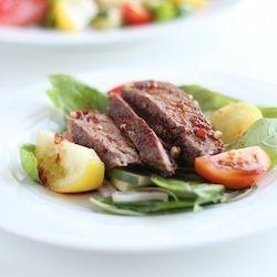Spicy Basil, Tomato, Beef Salad | Yummy Stuff | Pinterest