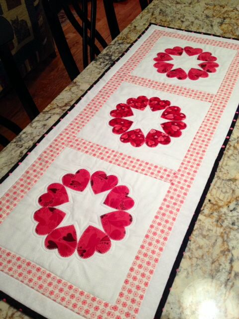 table table  runner Runners runner Table   quilted quilted Pla Quilted valentine  and Valentine  patterns hearts