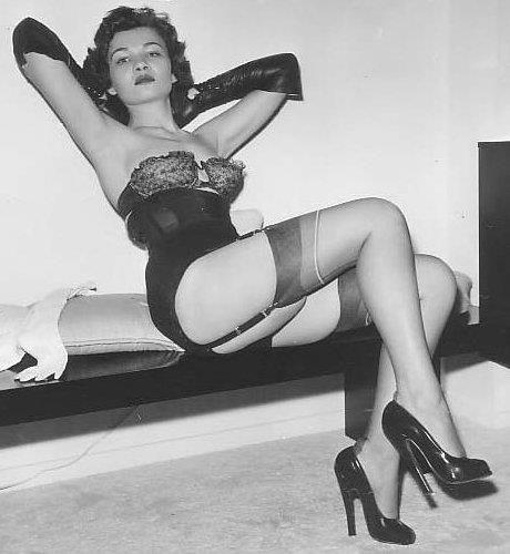 226 best Vintage images on Pinterest | Beautiful women ...