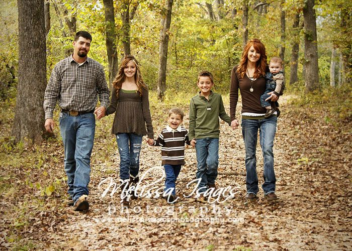 Fall Family Picture Ideas Outside