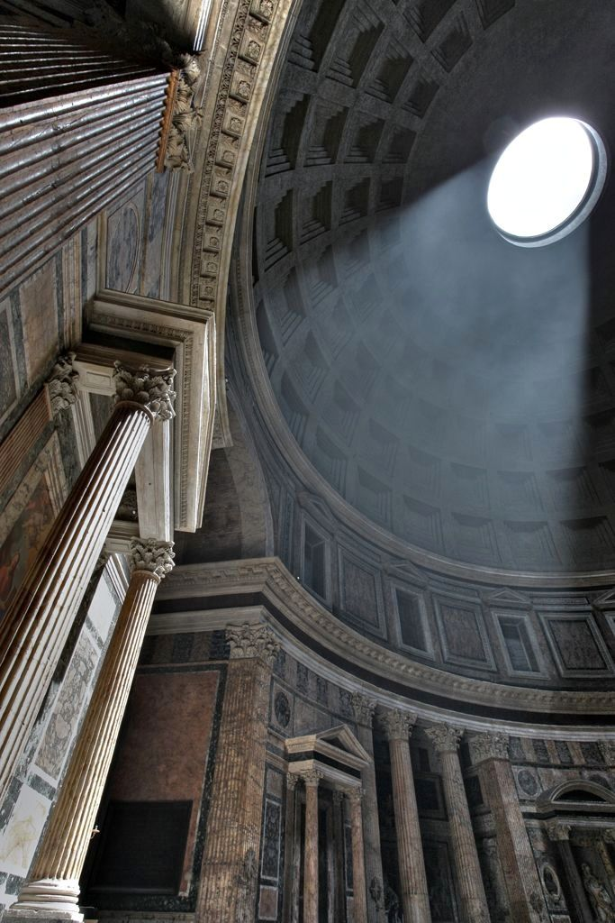 History is leaving behind gorgeous buildings.  Pantheon, Roma (126 AD)