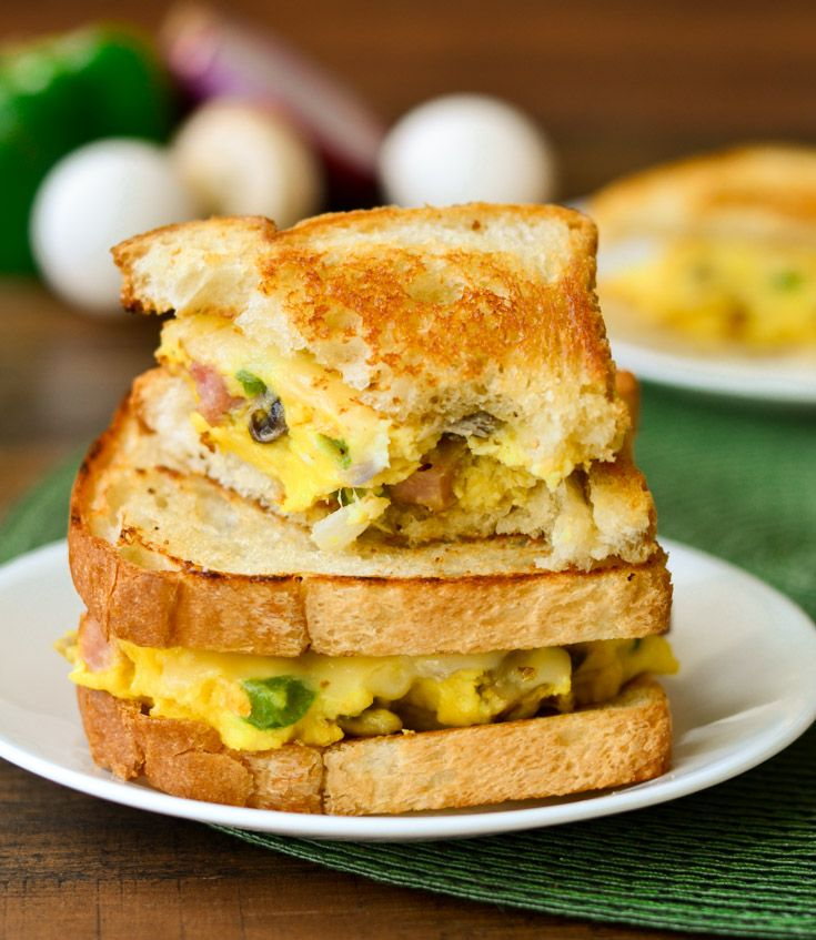 Denver Omelet Sandwich is perfect for breakfast, lunch, or dinner- The ...