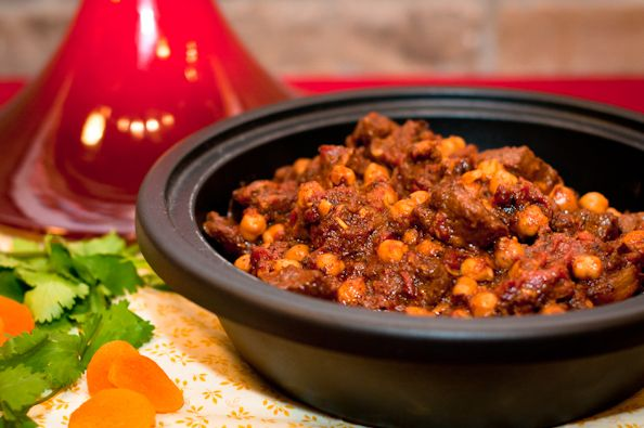 Lamb Tagine with Chickpeas & Apricot | Yummy Tummy Recipes | Pinterest