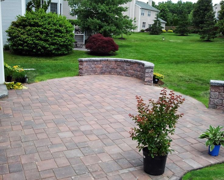 Pavers patio and sitting walls pavers projects pinterest for Pinterest patio pavers