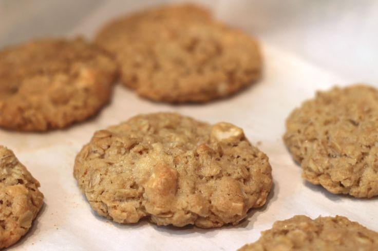 Crispy Salted Cashew & White Chocolate Oatmeal Cookies