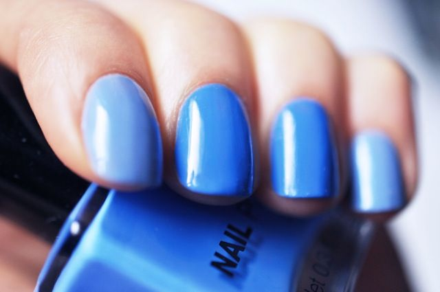 h nail polish peppermint fusion blue my mind swatch two color manicure 4