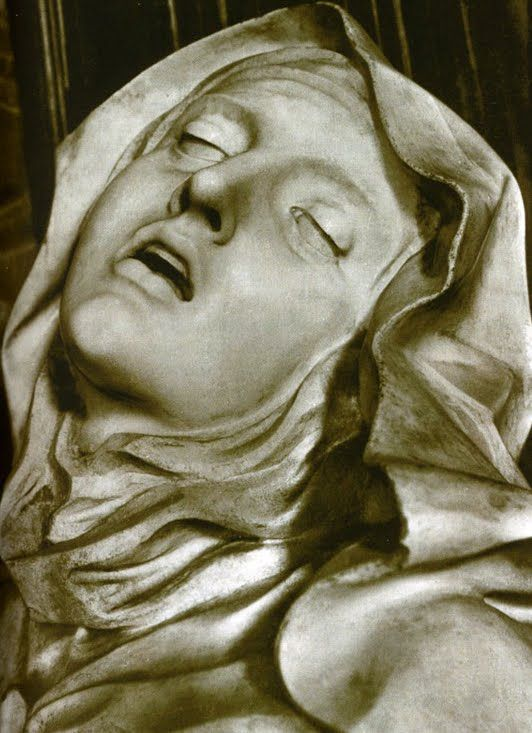 the ecstasy of st teresa Ecstasy of saint teresa's wiki: the ecstasy of saint teresa (alternatively saint teresa in ecstasy or transverberation of saint teresa in italian: l'estasi di santa teresa or santa teresa in estasi) is the central sculptural group in white marble set in an elevated aedicule in the corn.