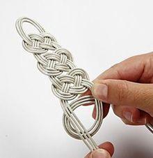 Celtic knot bracelet tutorial