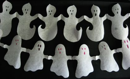 Paper Ghost Garland tutorial with template