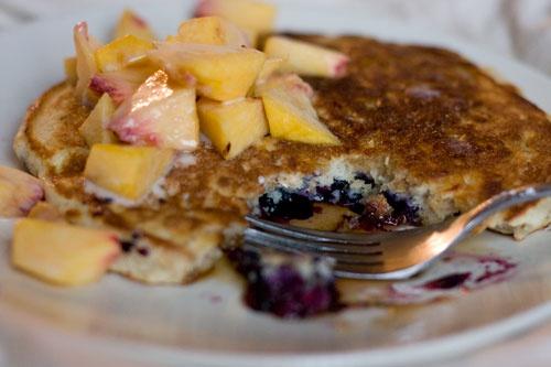 Oatmeal Blueberry Peach Pancakes | food | Pinterest