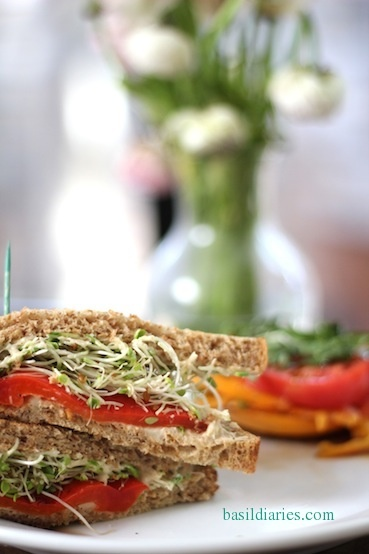 Heirloom Tomato Sandwich | EPICURIOUS CAFE | Pinterest
