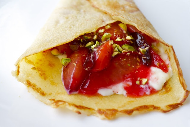 honey crepes with plums and mascarpone | Sweets | Pinterest