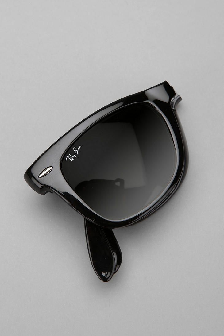 ray ban paper 1) packaging authentic ray ban sunglasses: - box should felt like a velvet box, flat with a side that seal of pvcn imitation ray ban sunglasses: - mimeographed paper box that you'll feel too smooth, no texture and the color is not correct.