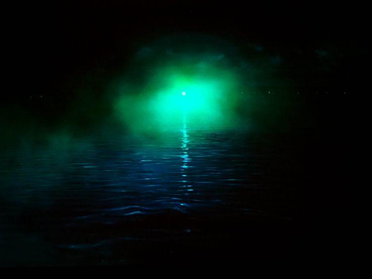 great gatsby green light symbolism essay