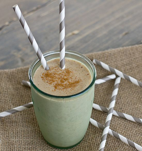 Banana Chai Breakfast Shake by ohmyveggies #Banaba #Chai #Smoothie #ohmyveggies