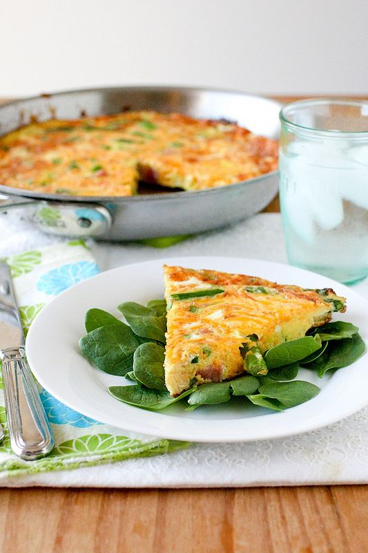 healthy dinner: ham and cheese frittata with asparagus