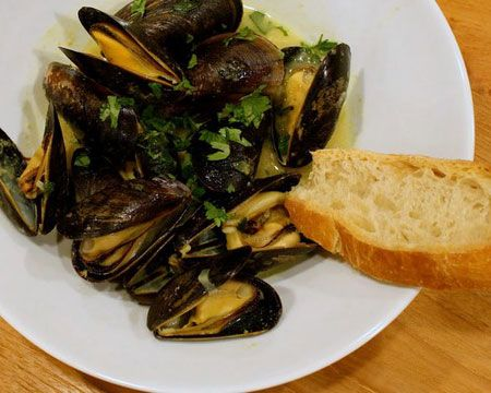Coconut Curry Mussels Recipe | Food i'd like to make | Pinterest