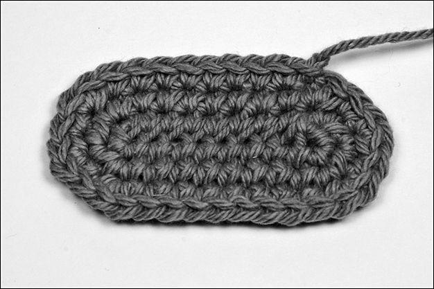 Making Basic Amigurumi Shapes: Flat oval I Could Crochet ...