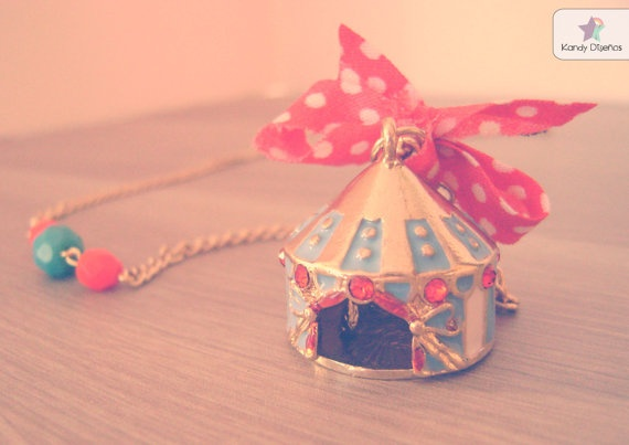 Vintage circus necklace Circus tend necklace by KandyDisenos, €14.00