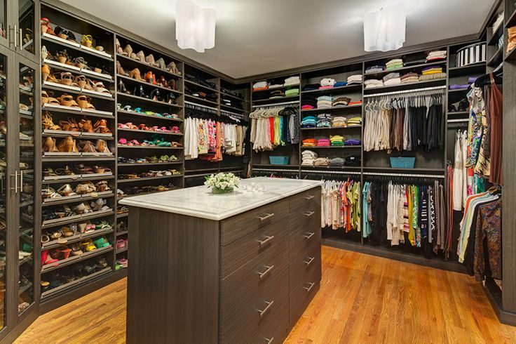 Clothes stores Sport clothing stores