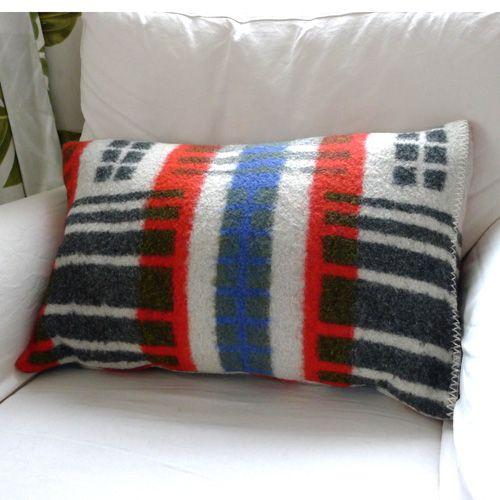 Traza World - kussen grijs-blauw-rood winter must-haves: kussens van ...
