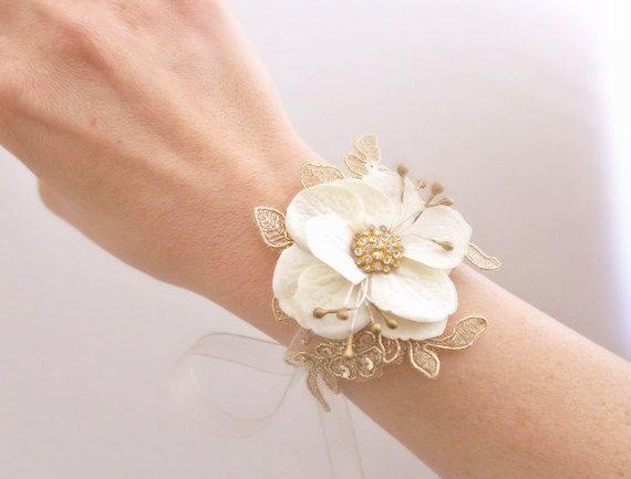 Wedding Flowers And Corsages : Bridal flower wrist corsage arrangements