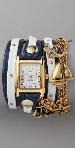 Shiny? [check] Navy Blue? [check] Stars? [check] Awesome #Nautical inspired #Bangle  - YEP! #fashion