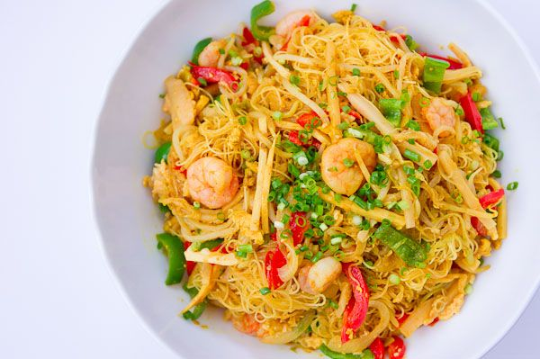Singapore Noodles... Yum! I switch up the veggies on this recipe & add ...